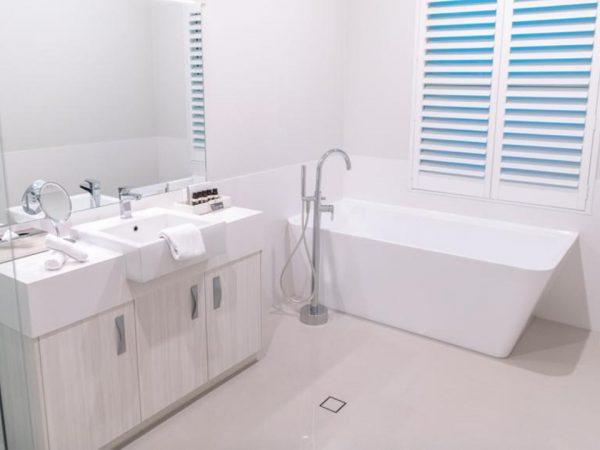 Cape Lodge Bathroom