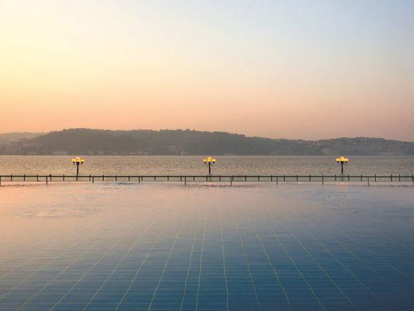Ciragan Palace Kempinski Infinity Pool