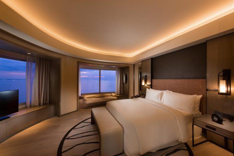 Conrad Manila Bay View Diplomatic Suite Lounge Access