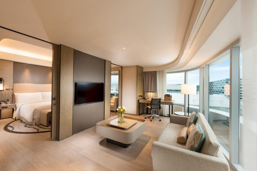 Conrad Manila Bay View King One Bedroom Suite Lounge Access