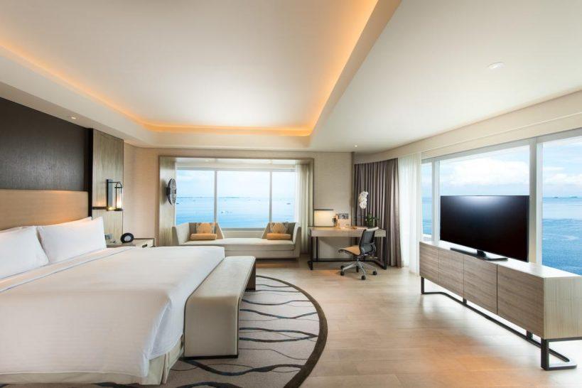 Conrad Manila Bay View King Premier Room