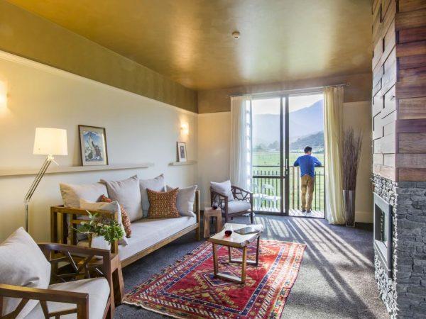 Hapuku Lodge Tree House Lodge Room