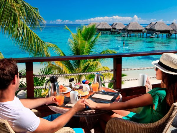 Hilton Moorea Lagoon Resort and Spa Eimeo Bar