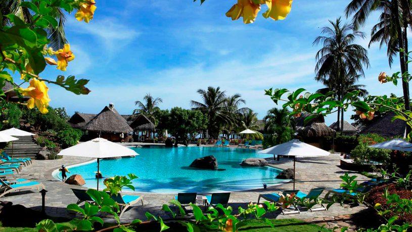 Hilton Moorea Lagoon Resort and Spa Outdoor Pool
