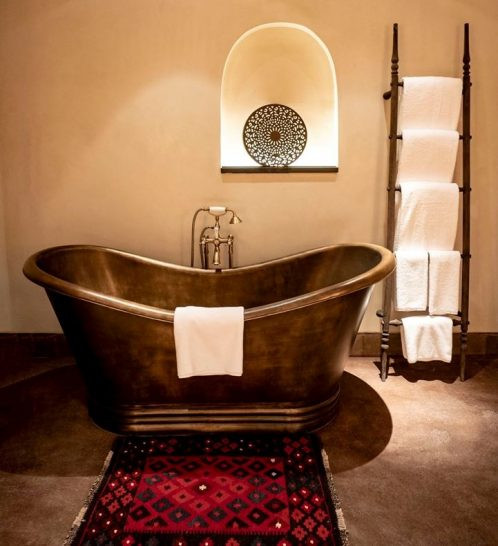 Hotel Al Bait Sharjah Heritage Bathroom Copper Bathtub