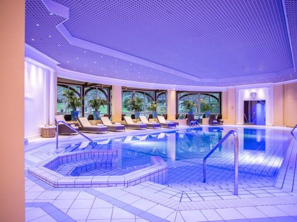 Hotel Royal Evian Resort Indoor Pool