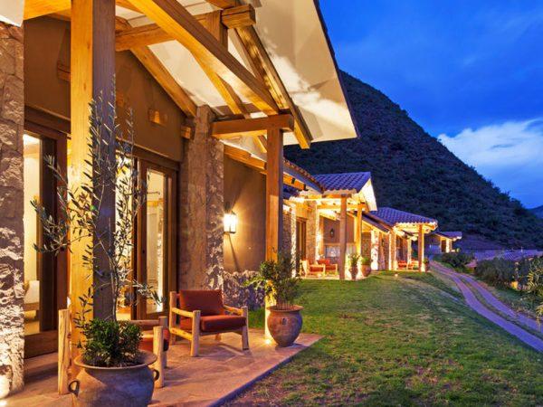 Inkaterra Hacienda Urubamba Lobby Area
