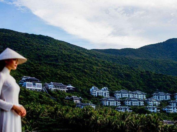 InterContinental Danang Sun Peninsula Resort Resort with lady