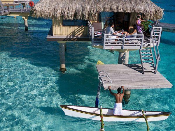 erContinental Le Moana Bora Bora Horizon Overwater Bungalows