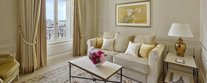 Shangri La Hotel Paris Junior Suite Paris View