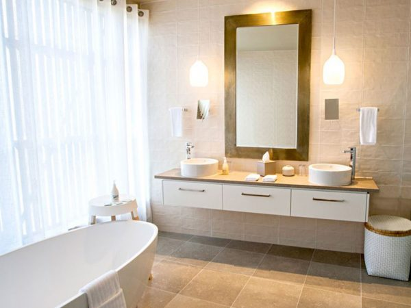 Kinloch Club Manor and Villas Bathroom