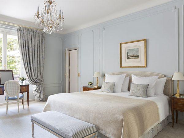 Le Bristol Paris Deluxe Suite