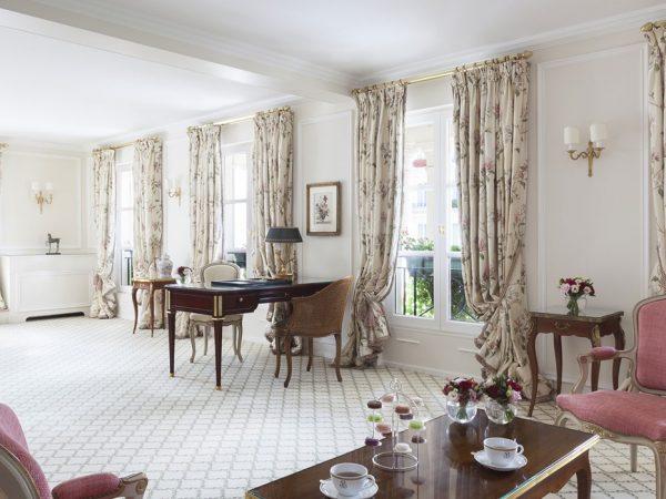 Le Bristol Paris Jacuzzi Terrace Suite