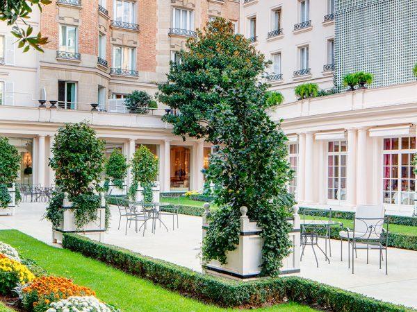 Le Bristol Paris Junior Suite Garden View