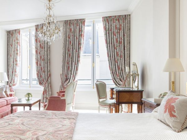 Le Bristol Paris Junior Suite