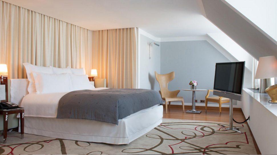 Le Royal Monceau Penthouse Suite