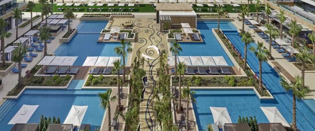 Mandarin Oriental Jumeira Dubai sun vibe pool