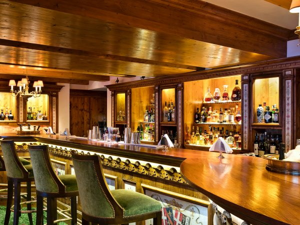 Palace Les Airelles Bar at Foumier