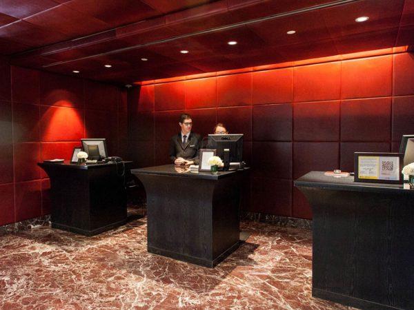 Palacio Duhau Park Hyatt Buenos Aires Desk