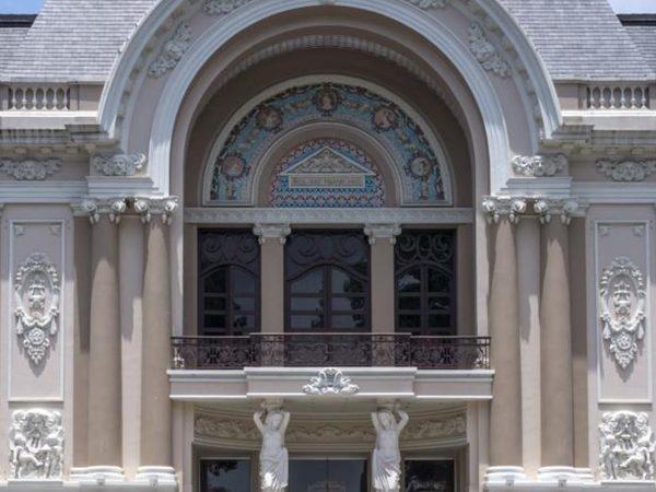 Park Hyatt Saigon Lobby