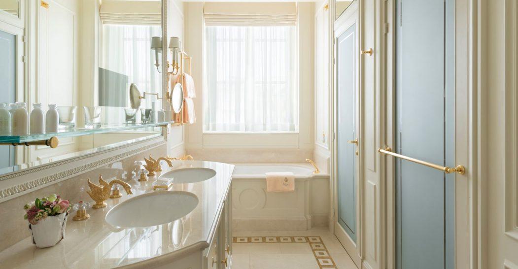 Ritz Paris suite Prince de Galles Bathroom