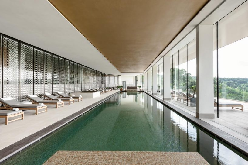 Royal Champagne Hotel and Spa Indoor Pool