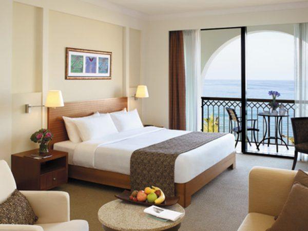 Shangri La Barr Al Jissah Resort and Spa Executive Sea View Room