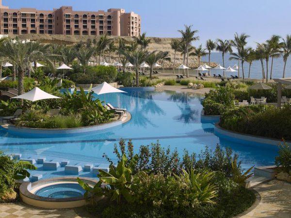Shangri La Barr Al Jissah Resort and Spa Pool