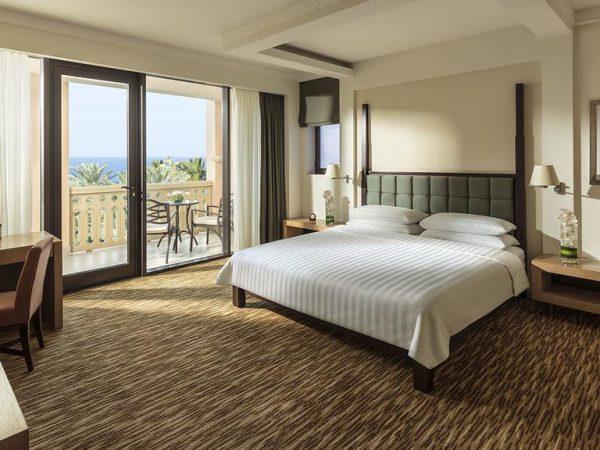 Shangri La Barr Al Jissah Resort and Spa Superior Room