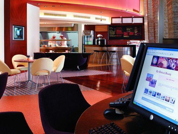 Shangri La Barr Al Jissah Resort and Spa Surf Cafe