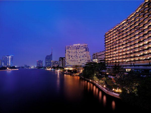 Shangri La Hotel Bangkok Exterior