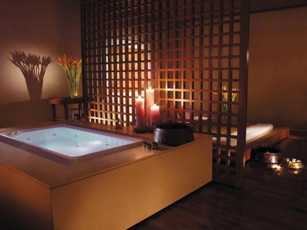 Shangri La Hotel Bangkok Jacuzzi Bath