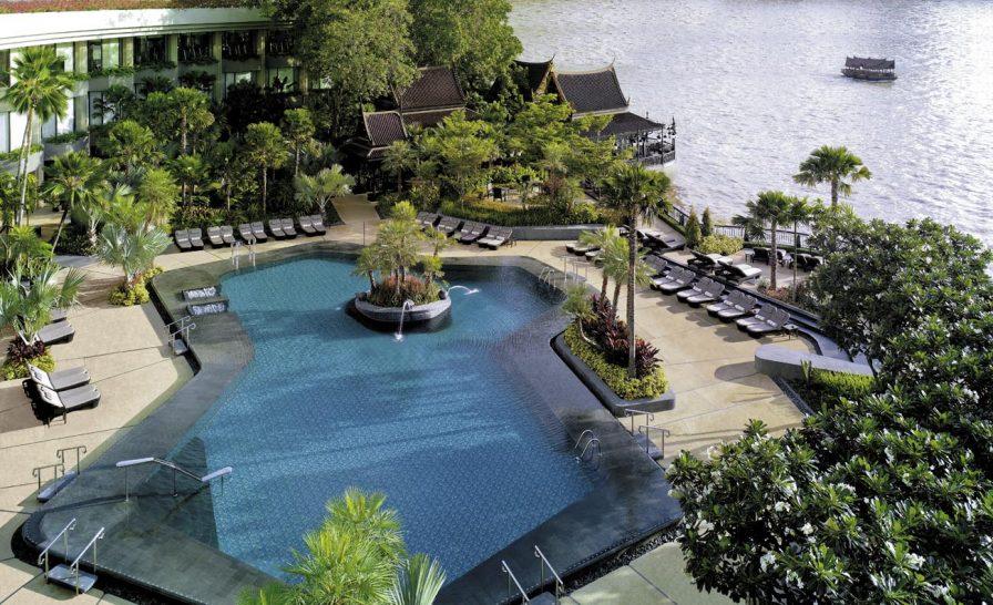 Shangri La Hotel Bangkok Pool