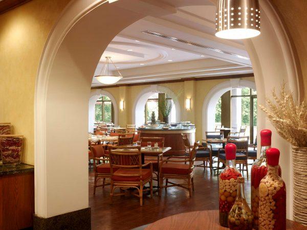 Shangri La Hotel Hangzhou Coffee Garden