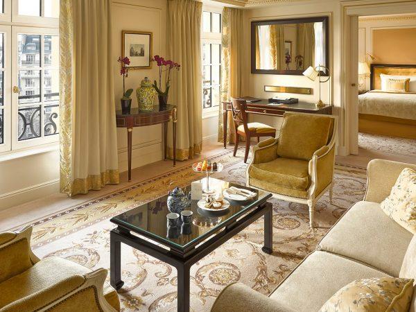 Shangri La Hotel Paris Deluxe Suite