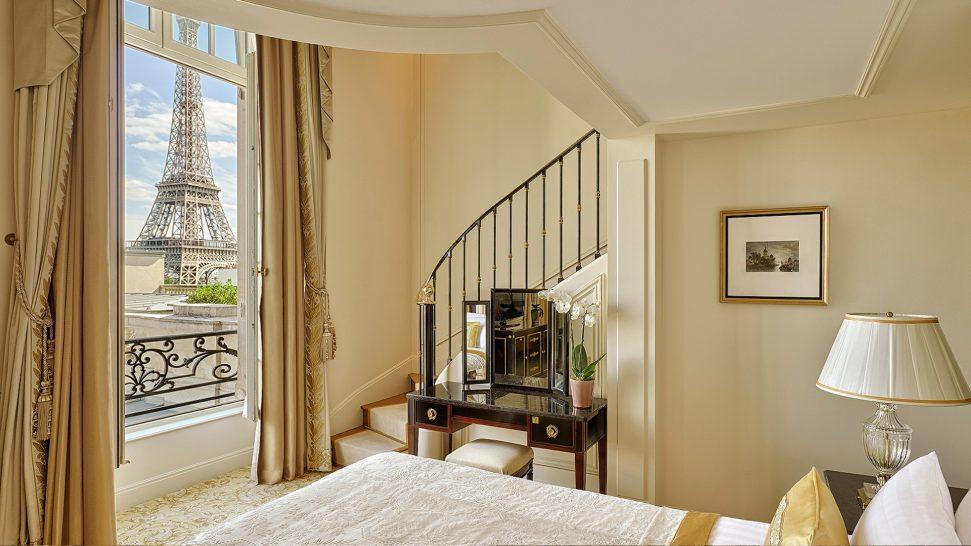 Shangri La Hotel Paris Duplex Eiffel View Suite