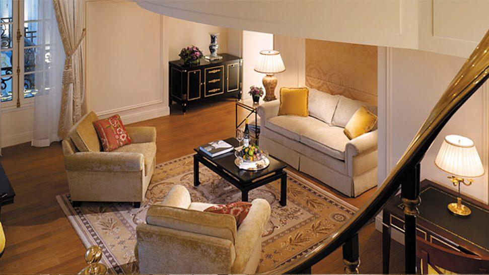 Shangri La Hotel Paris Duplex Suite