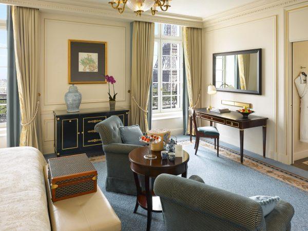 Shangri La Hotel Paris Eiffel View Room