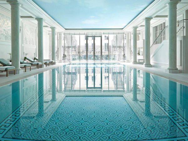 Shangri La Hotel Paris Swimming Pool