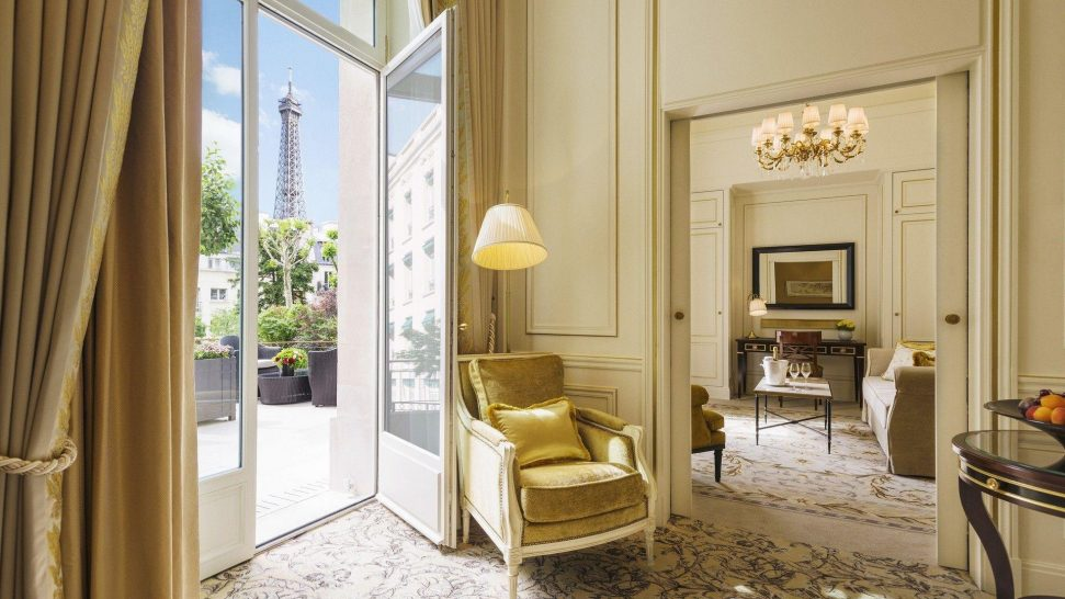 Shangri La Hotel Paris Terrace Suite