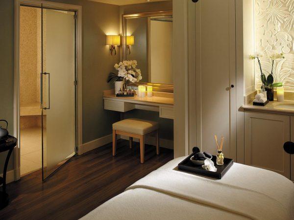 Shangri La Hotel Paris Treatment Room