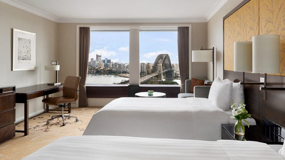 Shangri La Hotel Sydney Deluxe Sydney Harbour Room