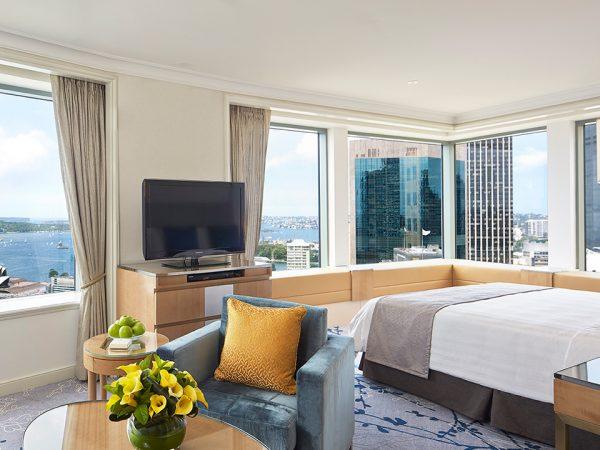 Shangri La Hotel Sydney Horizon Club Premier Sydney Harbour Room