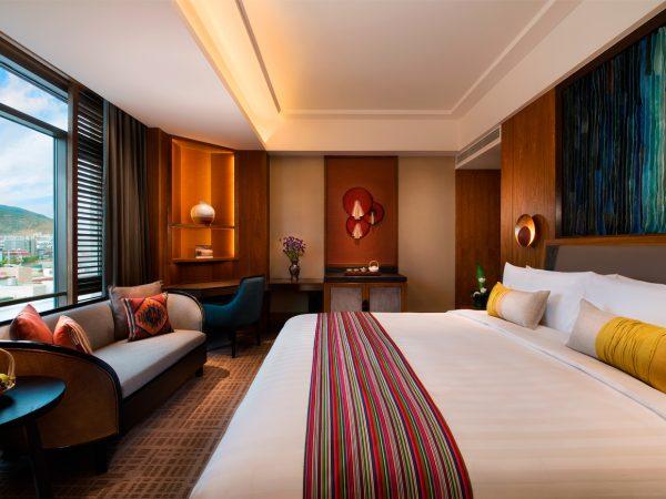 Shangri La Resort Shangri La Deluxe RoomShangri La Resort Shangri La Deluxe Room