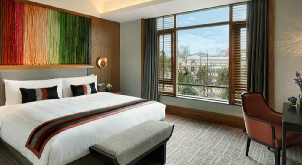 Shangri La Resort, Shangri La Premier Room