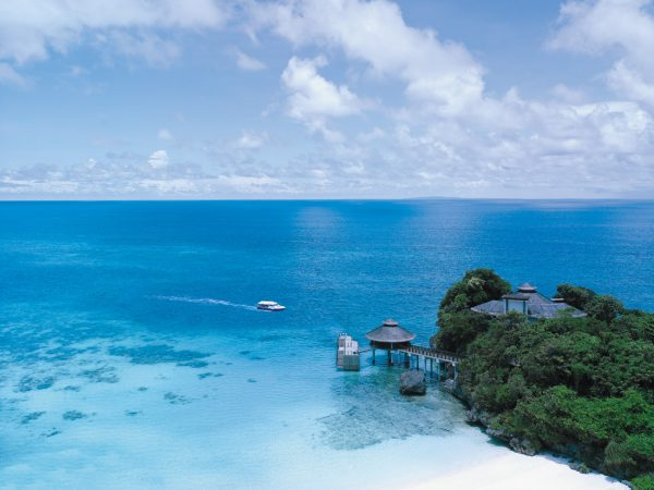 Shangri La's Boracay Resort And Spa Private Speedboat and Jetty Port