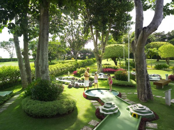 Shangri La's Mactan Resort and Spa Cebu Themed Mini Golf