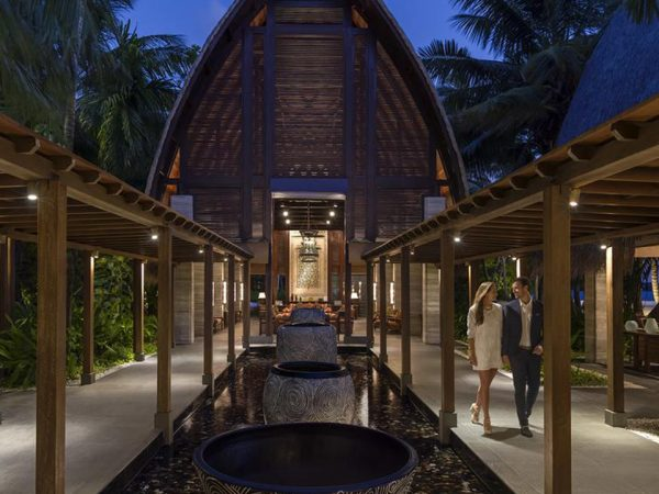 Shangri La's Villingili Resort and Spa Maldives Lobby
