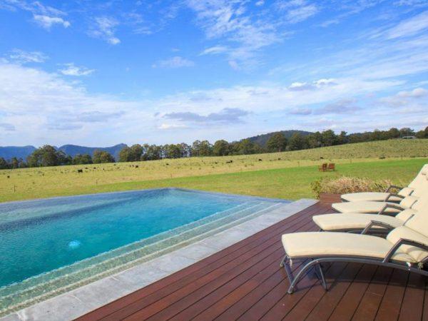Spicers Peak Lodge Outdoor Pool