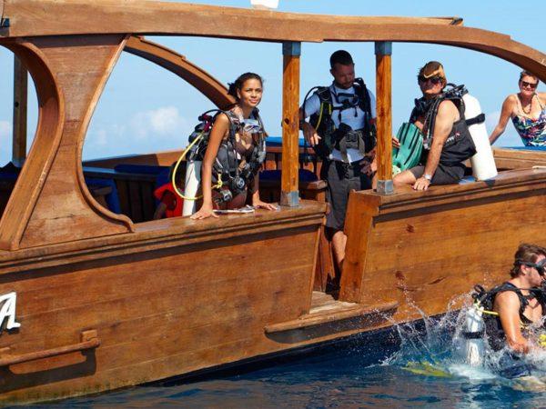 Thanda Island Cruise The Islands